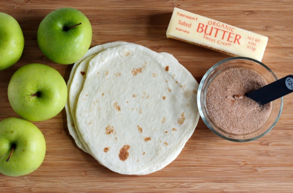 Apple Pie Tortillas