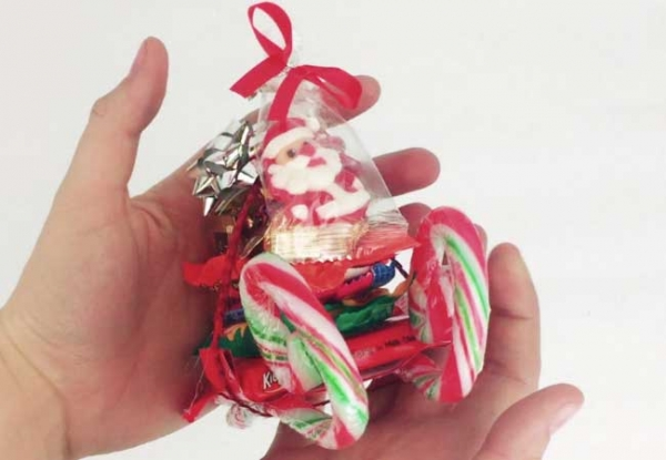 a friend of mine gave these out at her christmas party last year and i just couldnt get over how adorable they were kids will have a lot of fun making - Christmas Candy Sleigh