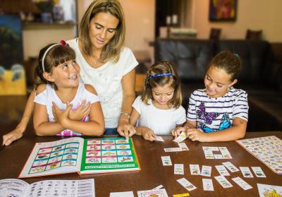 Risas y Sonrisas Spanish for Kids Homeschool Program w/Online Access
