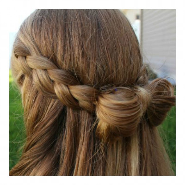 A Girls Land Braided Bow