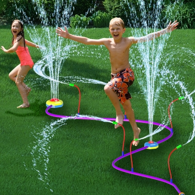 Hydro Twist Pipeline Sprinkler (Ages 4+, SRP $11.99)