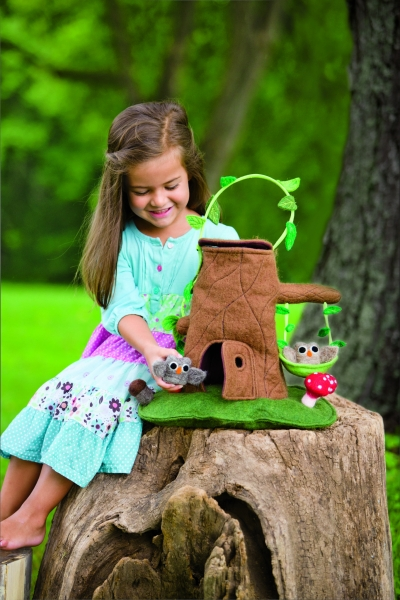 Felt Tree Stump Cottage Playset